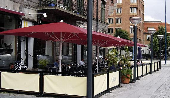 Restaurant fences