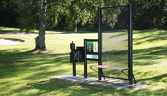 Golfbænke og informationstavler