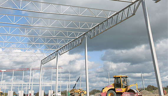 Trussed steel girders / Steel framing