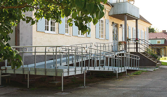 Gangway for disabled people