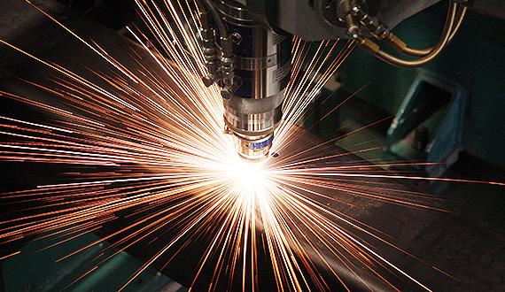 Blechbearbeitung durch Laser